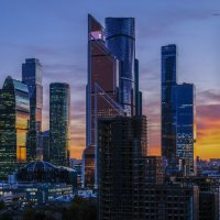 закат наступил на Москва-Сити :: Георгий
