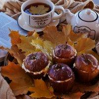 Осень с ароматом яблок :: Mарина Еловская