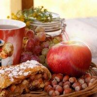 Завтрак наедине с собой :: Mарина Еловская