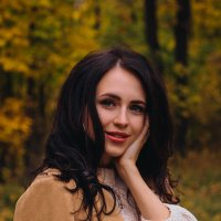 Девушка в лесу :: Ольга Фотограф
