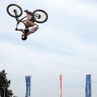 летающие велосипедисты :: Олег Лукьянов