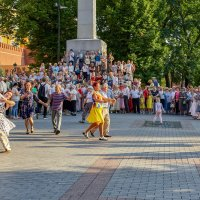 Субботний танец :: Николай Николенко