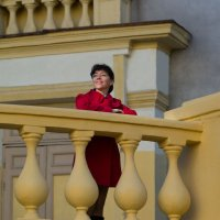 В экстерьере античного дворца :: Дмитрий .