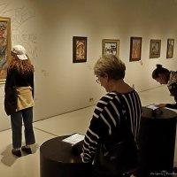 На выставке Д.Бурлюка :: Григорий Кучушев
