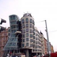 Прага. Танцующий дом :: Генрих
