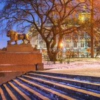 Лев на набережной :: Юлия Батурина