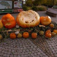 ХОЗЯЕВА Хеллоуина :: Alexander Andronik