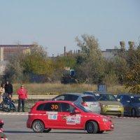 Маленькие тоже могут дать газу :: Александр Рыжов