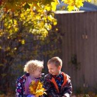 братик и сестричка-любовь навсегда :: Юлия Илларионова