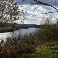 Осень на реке :: Вадим *