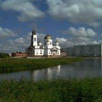 Строящаяся церковь Воскресения Христова. Кокчетав.Казахстан. :: Александр Ш