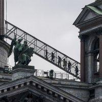 Вверх по лестнице ведущей вниз. :: Александр