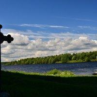вид на озеро Онега из Успенского собора г. Кондопога :: Георгий А