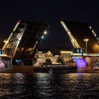 Развод Благовещенского моста :: Натали Зимина