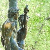 Всё начиналось с яблока..Адам и Ева под райским деревом. :: Alexey YakovLev
