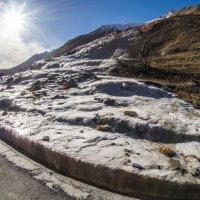 источник минеральной воды на В-Г дороге :: Лариса Батурова