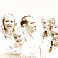 Счастливая семейка :: Николай С