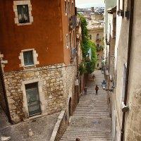 Прогулка по Жироне :: Лара Leila