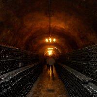 Прогулка по горным тоннелям Русского винного дома «Абрау-Дюрсо» :: Галина