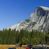 Въезжаем в Долину Йосемит (горы Сьерра Невада, Калифорния) :: Юрий Поляков