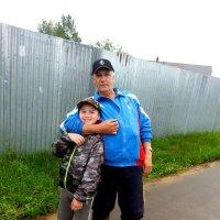 Дед с внуком. :: aleks50