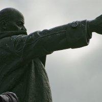 В.Ленин на площади Финляндского вокзала. :: Игорь Олегович Кравченко