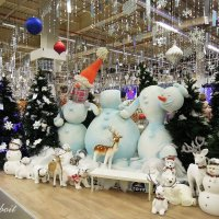 Даже снеговики теряют головы от долгого ожидания праздника ) :: Тамара Бедай