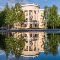 """Ухта, """"Старый город"""", отражение в луже. :: Николай Зиновьев"""