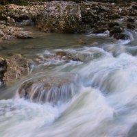 Горная река Гуамка :: Александр Артюхов