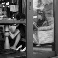 Одинокий ужин бизнес-леди... :: Елена Жукова