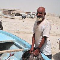 рыбак со своим скатом :: Георгий А