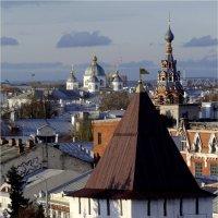 Над крышами тысячелетнего города... :: Юрий Велицкий