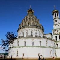 монументальное сооружение :: Дмитрий Солоненко