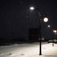 Снег кружится… :: Александр Горбунов