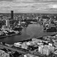 Екатеринбург с высоты полета :: Борис Соловьев