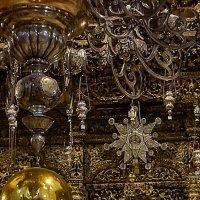 Вифлеемская звезда над Царскими Вратами в церкви Рождества Христова в Вифлееме. :: Elena Izotova
