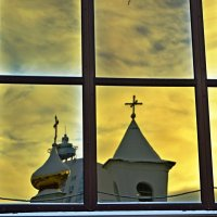 В окне отразилось... :: Vladimir Semenchukov