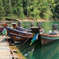 Тайское горное озеро :: Любовь