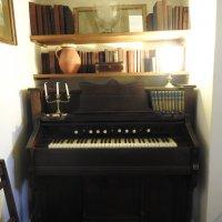 Пианино Чарльза Кингсли :: Natalia Harries