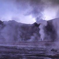 Долина гейзеров Эль-Татио до рассвета :: Георгий А