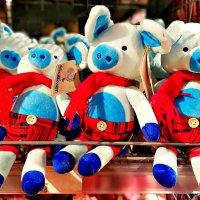 Разноцветные игрушки. :: Михаил Столяров
