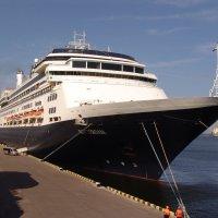 Одесский морской порт. :: Валерий Подорожный
