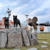 Нагоя Япония Монумент национальным героям Таро и Дзиро, ездовым собакам :: Swetlana V