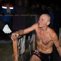 Сынок,я сам -ещё есть силы у меня ... :: Евгений Хвальчев