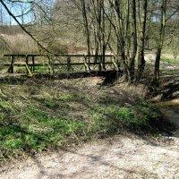 небольшой мост через небольшую реку :: Heinz Thorns