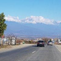 вид на БК хребет, Алазанская долина :: Лариса Батурова