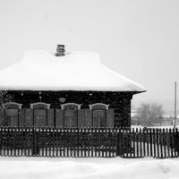 А снег идёт... :: Нэля Лысенко