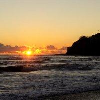 Штормящее море на закате :: Виктория Попова