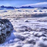 верх над облаками :: Георгий А