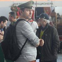 Гости из  прошлого(Поручик! Вы не успели снять фуражку!) :: Виталий Селиванов